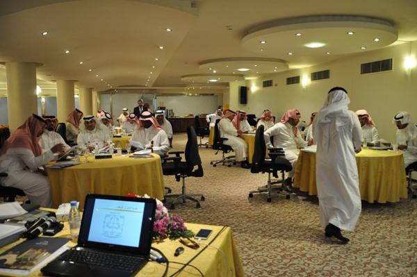 برامج إدارية وقيادية لوزارة الشؤون البلدية والقروية بكلية الدراسات التطبيقية وخدمة المجتمع