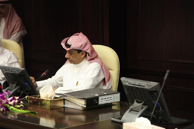 في مستهل جلساته لهذا العام، مجلس الجامعة يثمن مجهودات العثمان وأعضاء الفريق التطويري بالجامعة