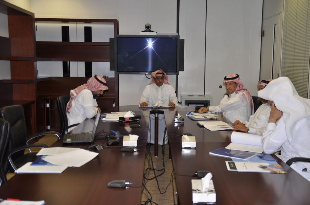 د. العمر يرأس اجتماع اللجنة التأسيسية لأوقاف جامعة الملك سعود