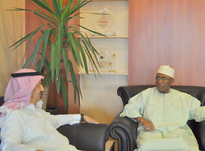 Egyptian and Gambian Diplomats Visit King Saud University