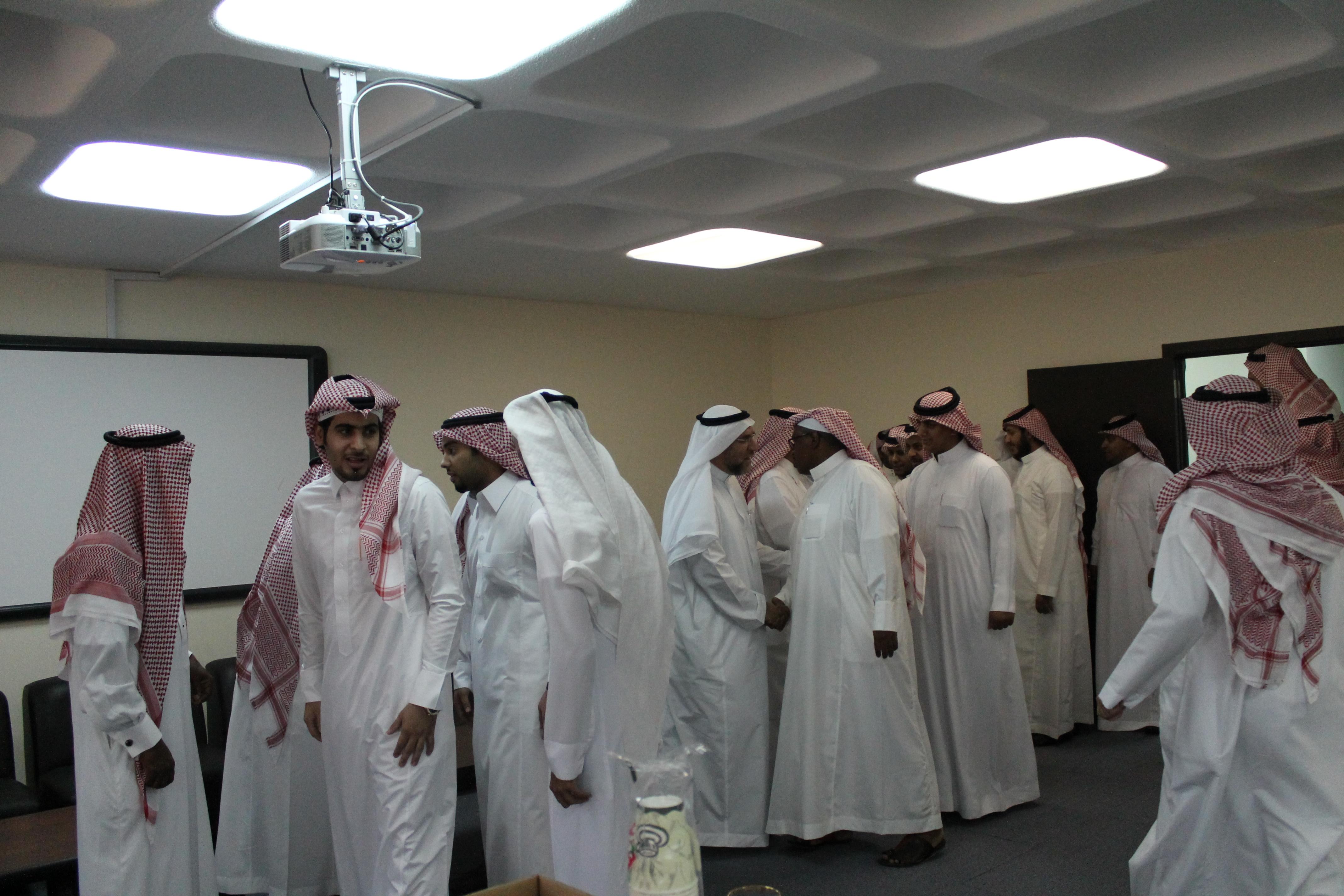 كلية الأمير سلطان بن عبد العزيز للخدمات الطبية الطارئة تقيم حفل المعايدة لعيد الفطر المبارك