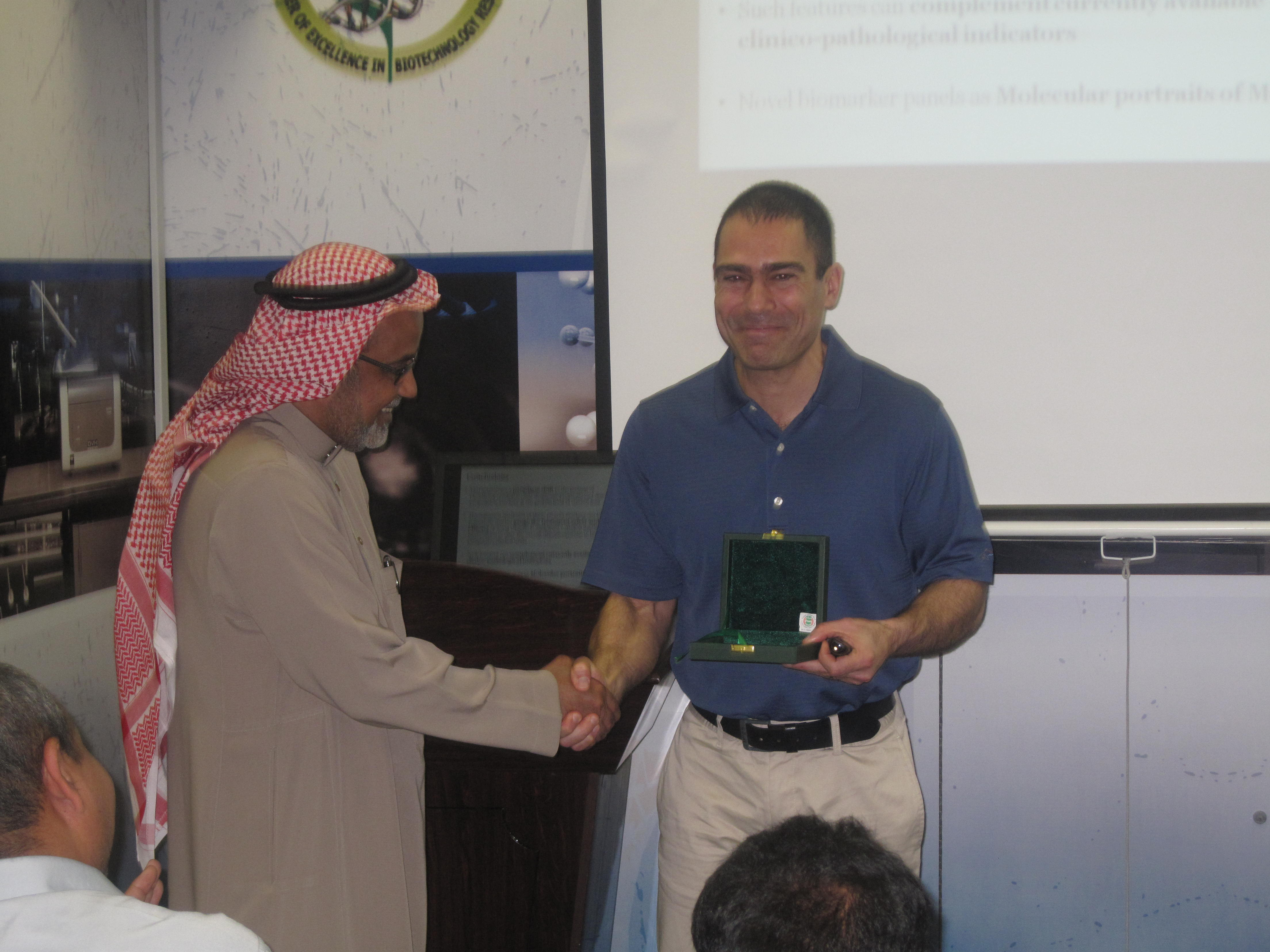 أستضاف برنامج أبحاث المؤشرات الحيوية البروفيسور جورج كروسيس والدكتور سبيروس كاربيس