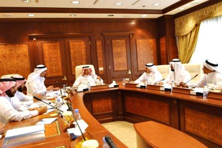 بحضور سعادة وكيل الجامعة اللجنة العليا للاعتماد الأكاديمي تعقد اجتماعها الأول