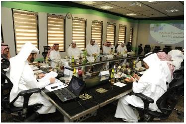 اللجنة الاستشارية لقسم النبات والأحياء الدقيقة تعقد لقاءها الأول