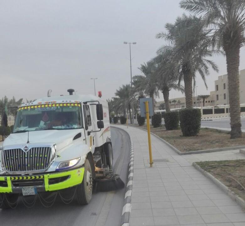 استعداد إدارة الخدمات والمرافق العامة بوكالة الجامعة للمشاريع لماراثون الرياض الدولي