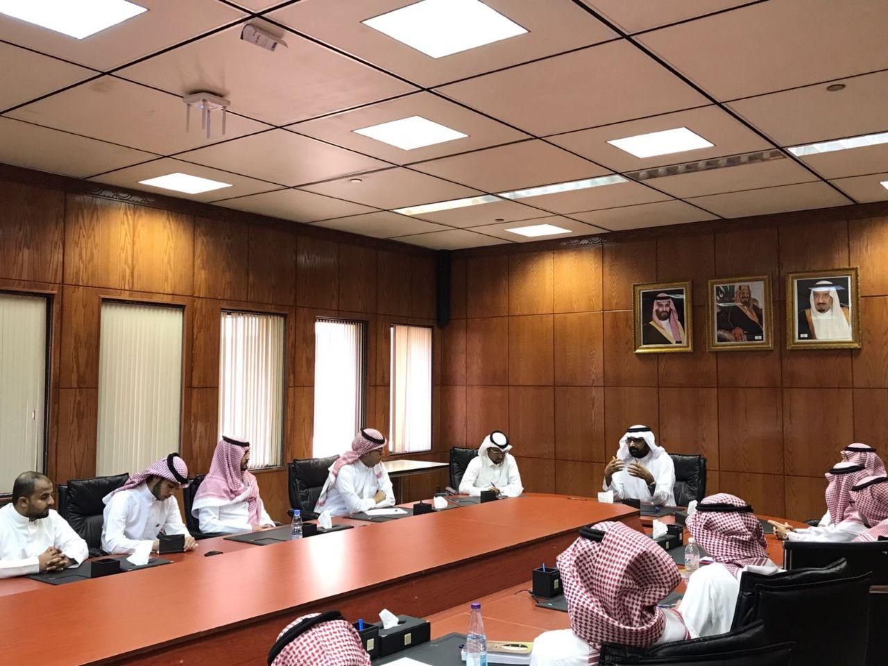 عميد الكلية الدكتور مفلح يعقد الاجتماع الأول للمجلس الاستشاري الطلابي