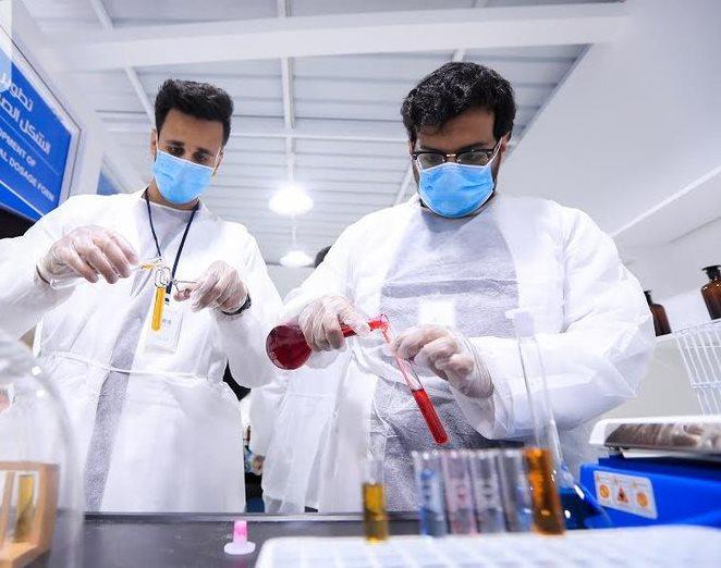 نادي كلية الصيدلة يساهم في فعالية رحلة دواء