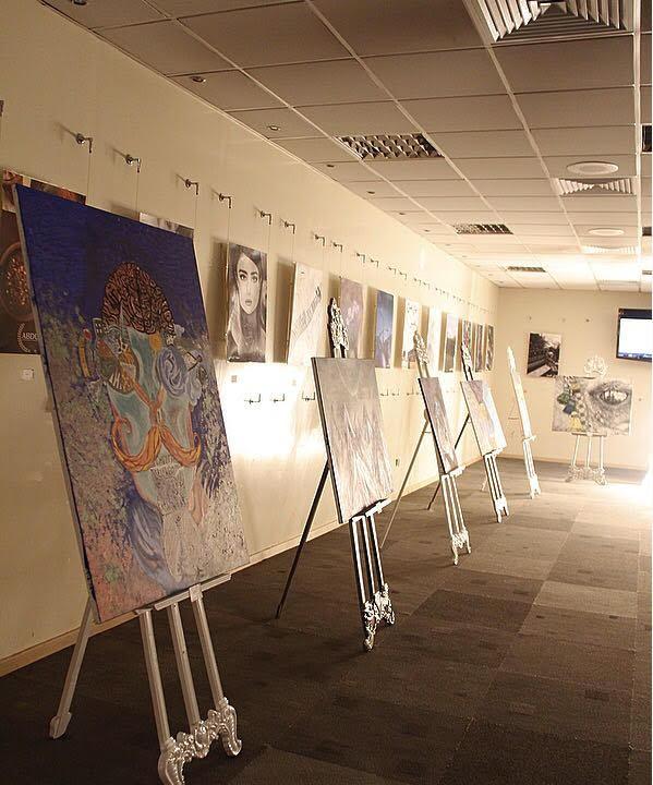 معرض رَوَاء التشكيلي  .. فن تشكيلي إبداعي لطالبات السنة الأولى المشتركة