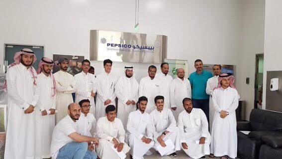 نادي الهندسة يُنظِّم زيارة إلى مصنع شركة (بيبسكو)