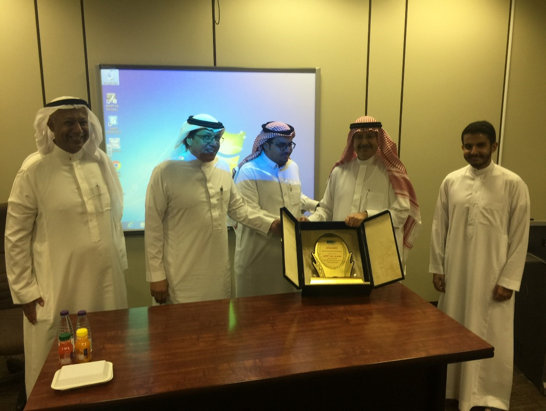محاضرة  لمعالي الرئيس التنفيذي للمركز السعودي للشراكات الأستراتيجية الدولية في قسم الهندسة المدنية