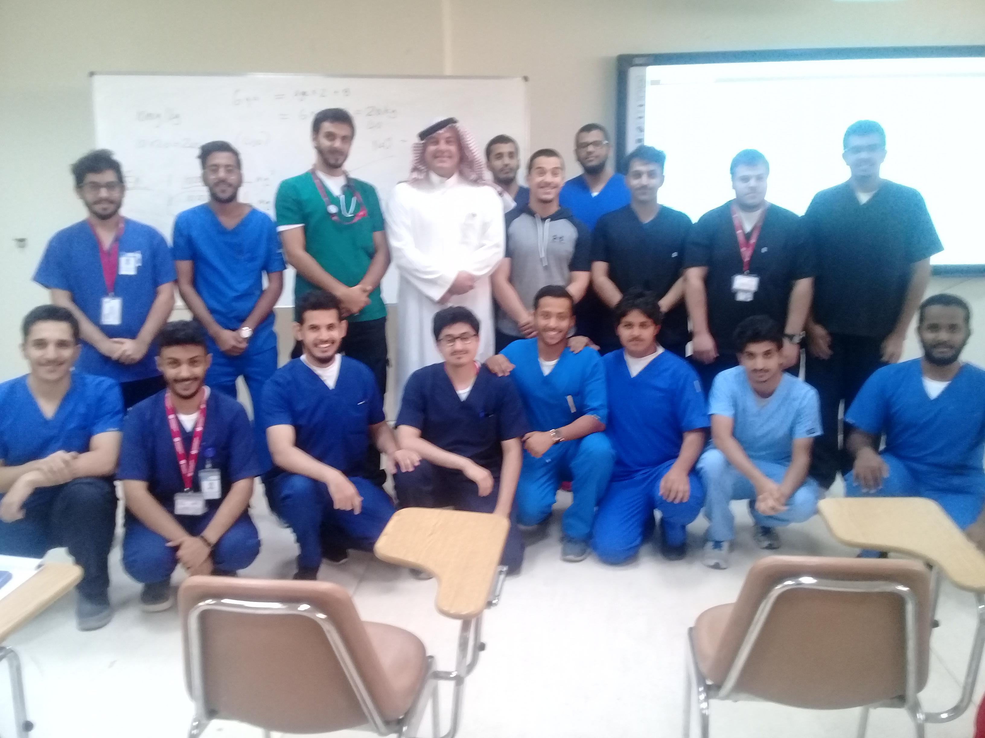 """الخدمات الطبية الطارئة بجامعة الملك سعود تستقبل البرفيسور (بيرت ويليامز) من """"جامعة موناش"""" الاسترالية"""