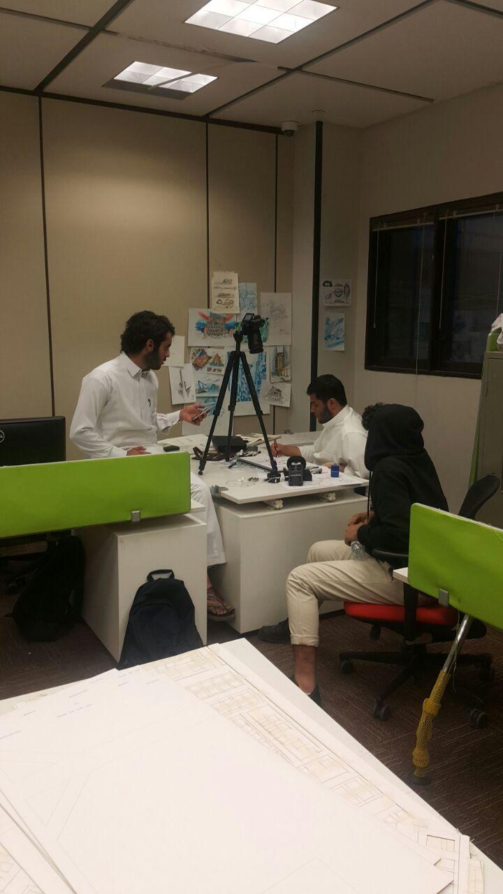 النادي الثقافي والاجتماعي يدشن تسجيل أول حلقات مشروع الإثراء المعرفي العمراني لليوتيوب في كلية العمارة والتخطيط