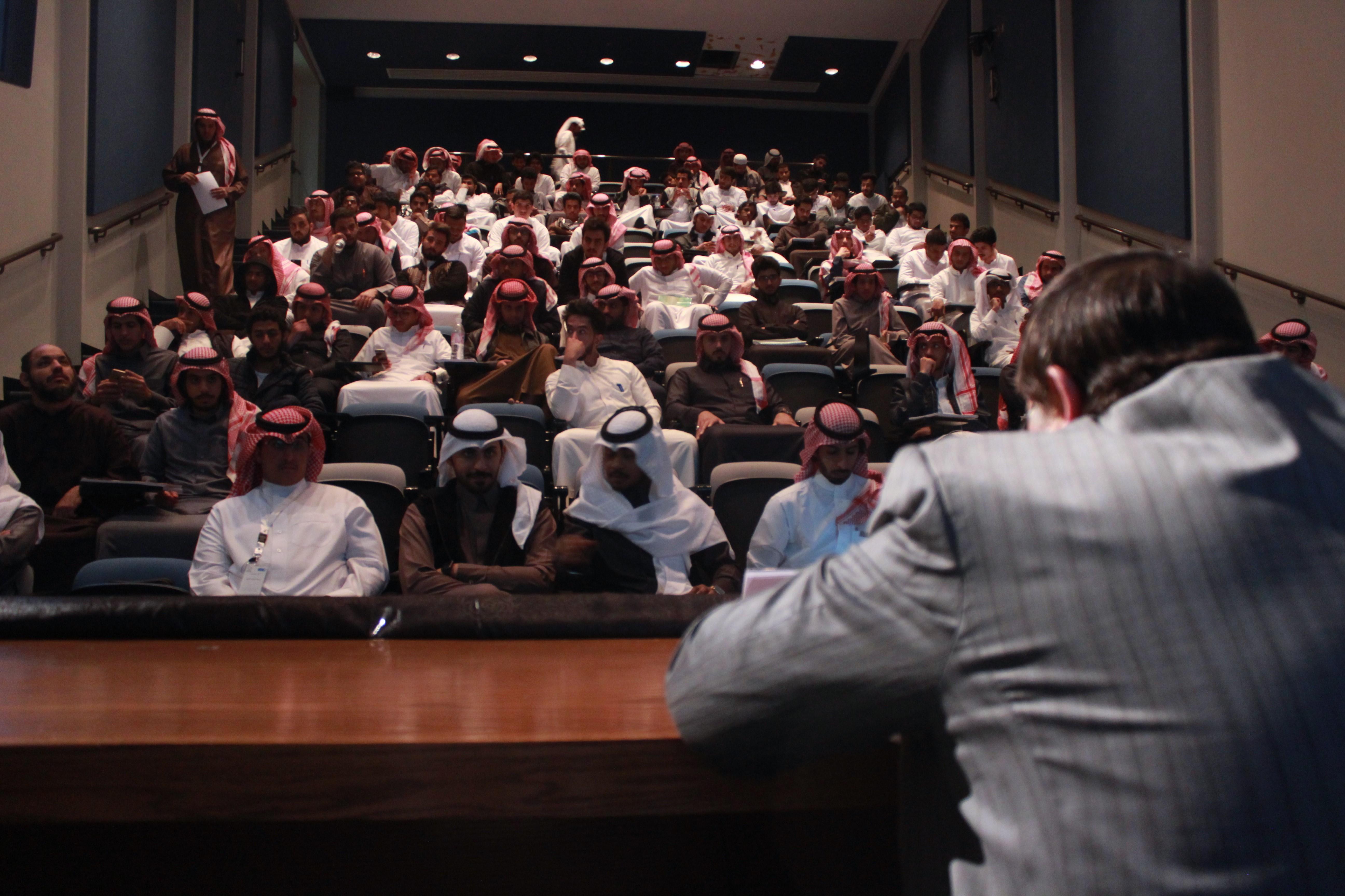 محاضرة بعنوان قوة التطوع يقيمها نادي الدراسات الاجتماعية