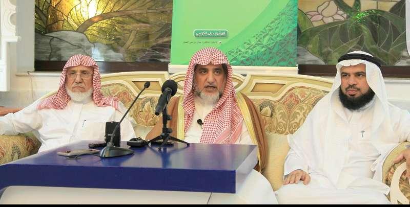 وزير الشؤون الإسلامية مخاطباً طلاب 40 دولة: الله أعظم من حدّث عن النبي