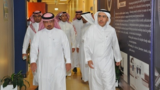 Vice Rector for Graduate Studies and Scientific Research Conducted an Inspection Tour of the College of Applied Medical Sciences in the Start of the New Academic Year 1437/1438 AH