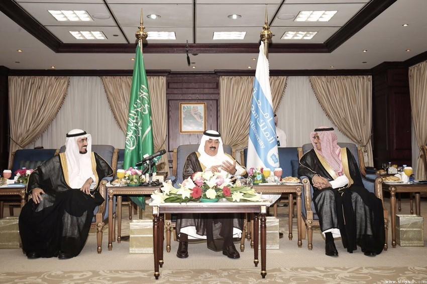 الأمير متعب بن عبدالله يزور جامعة الملك سعود ،،، ويوقع تجديد كرسي سموه لهشاشة العظام