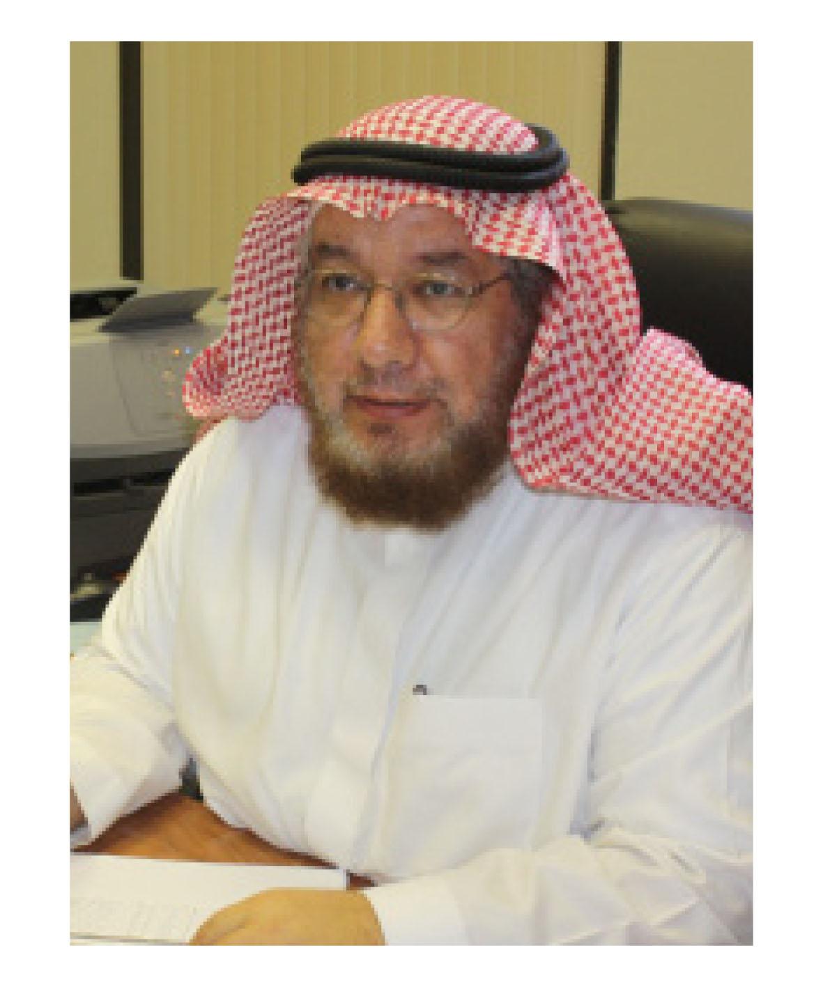 الدكتور العمر في زيارة القوات البحرية بجازان