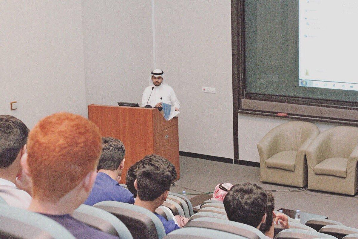صندوق الطلاب يشارك كلية الصيدلة برنامجها التعريفي