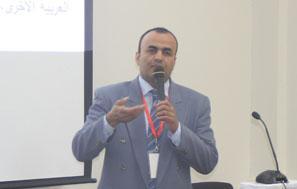 تهنئة سعادة عميد معهد اللغويات العربية للأستاذ الدكتور مختار عبد الخالق
