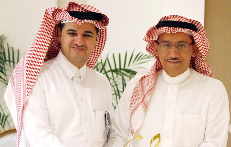 مدير الجامعة يستقبل الدكتور حسن الشمراني بمناسبة حصوله على جائزة محمد بن راشد للغة العربية