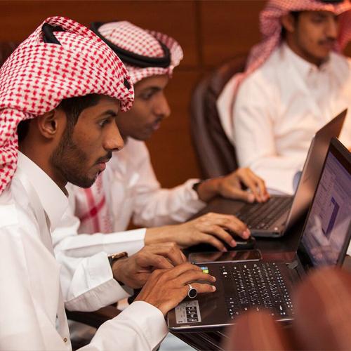 120 طالب وطالبة من الجامعات السعودية في رحاب جامعة الملك سعود – معسكر حلم