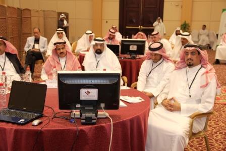 """المركز يشارك في ورشة عمل """" الارتقاء بقدرات مراكز البحث الجامعية في العلوم الاجتماعية والانسانية"""""""