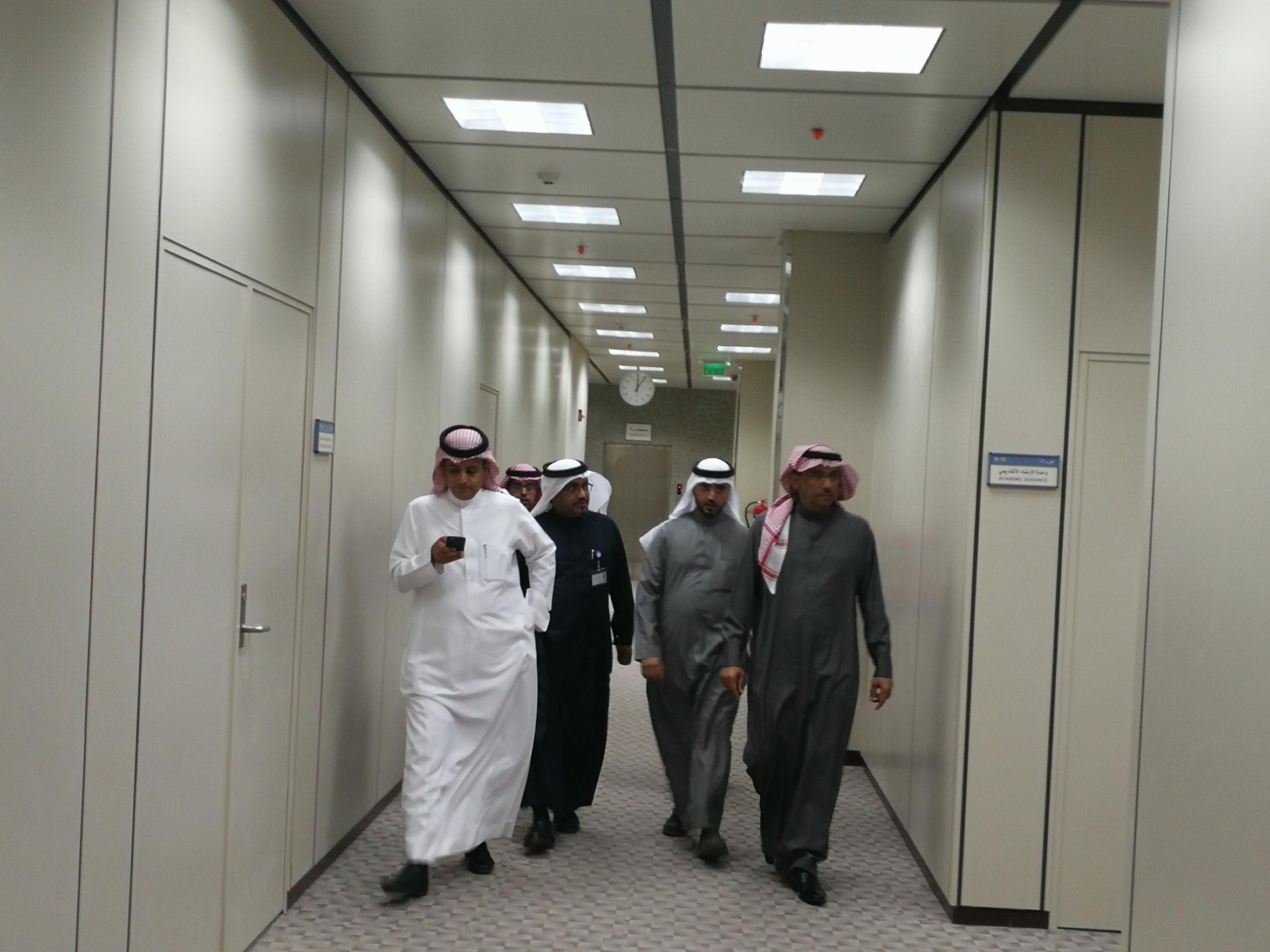 معالي مدير الجامعة يتفقد الاستعدادات النهائية لمبنى كلية التمريض