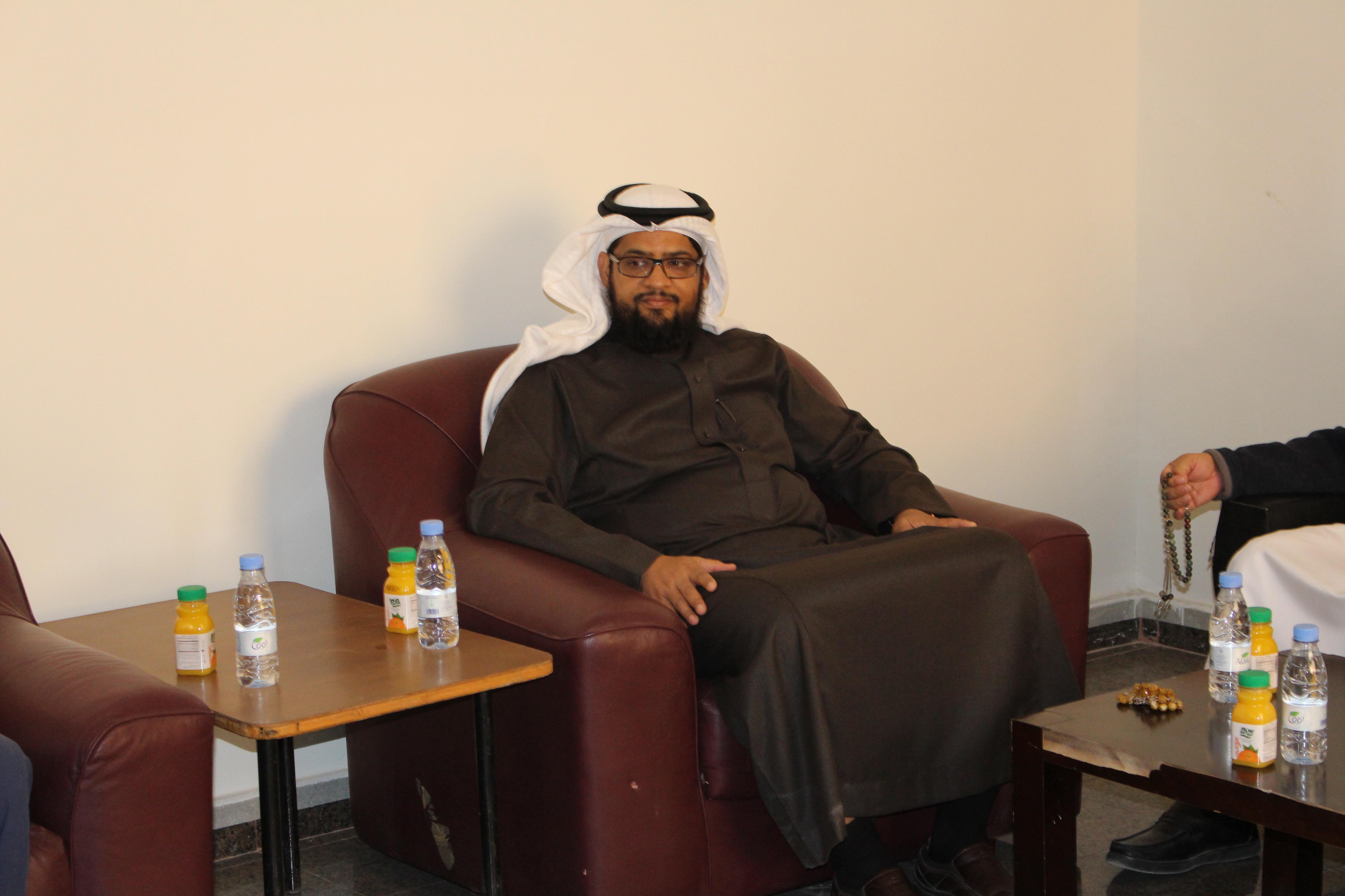 زيارة سعادة عميد كلية الأمير سلطان بن عبدالعزيز للخدمات الطبية الطارئة لموقع الكلية المؤقت