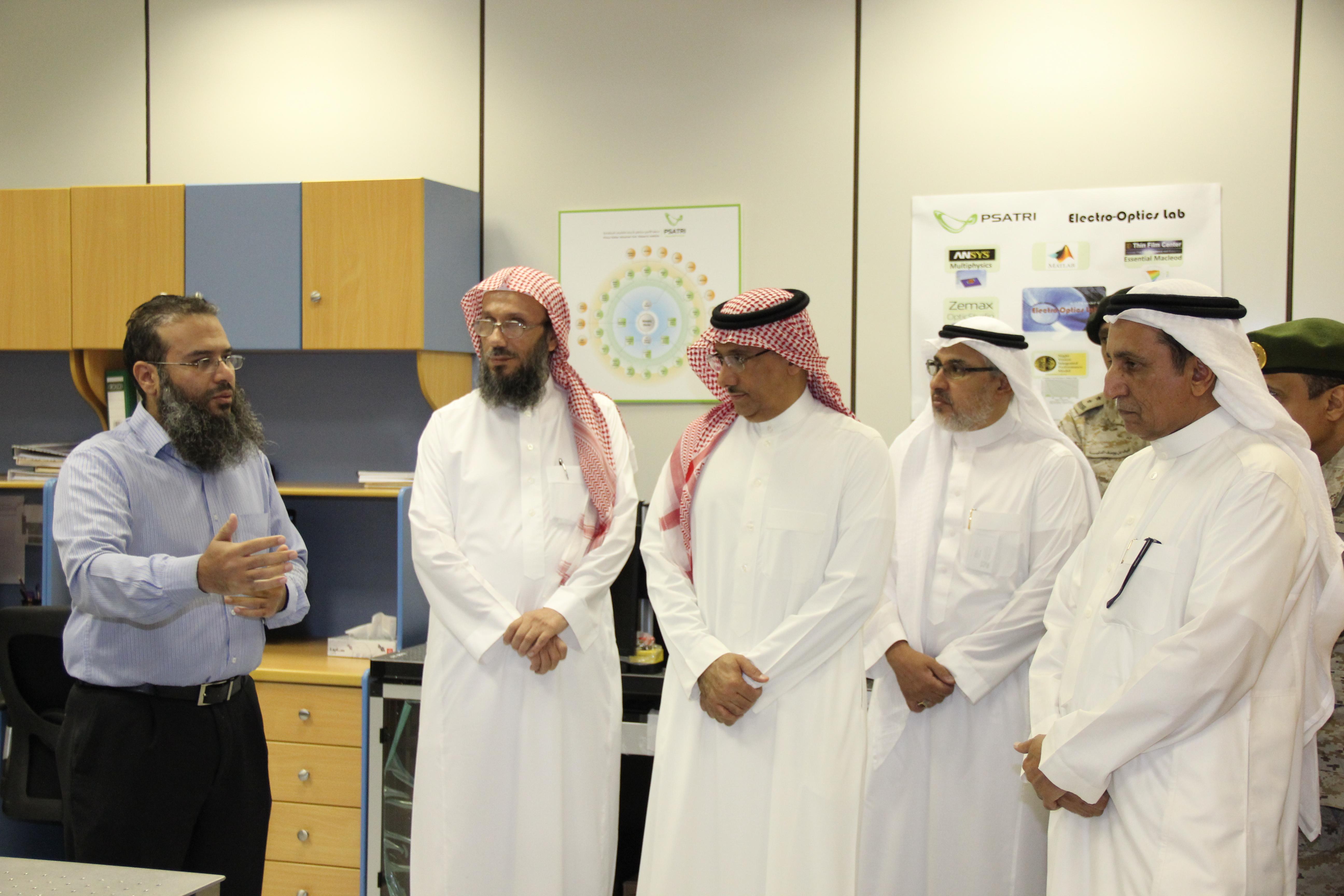معهد الأمير سلطان لأبحاث التقنيات المتقدمة (PSATRI) يستقبل معالي رئيس المؤسسة العامة للصناعات العسكرية