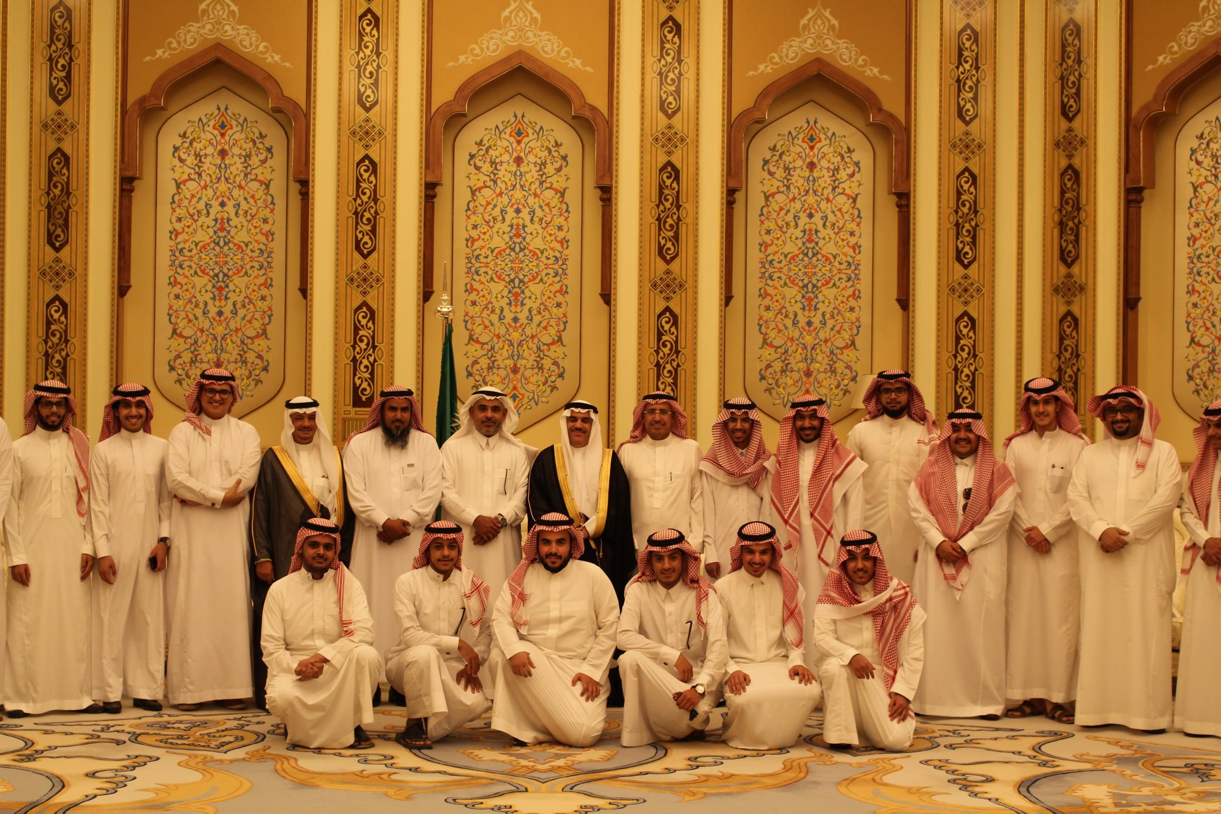 الأنشطة الطلابية بالكلية تنظم زيارة لمجلس الشورى