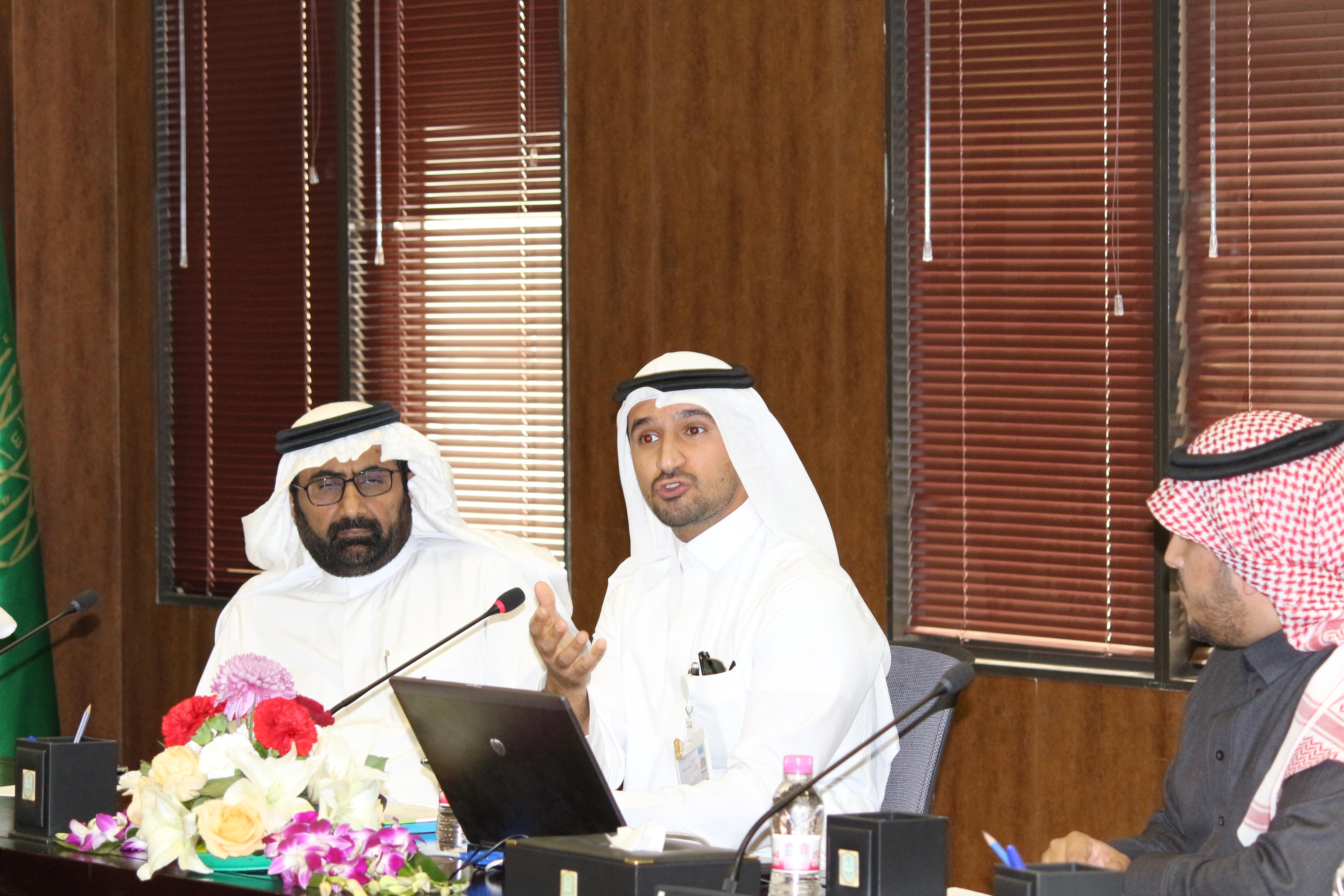 مركز الدراسات الجنائية بكلية الحقوق بجامعة الملك سعود يناقش تسويق مراكز الأبحاث والدراسات