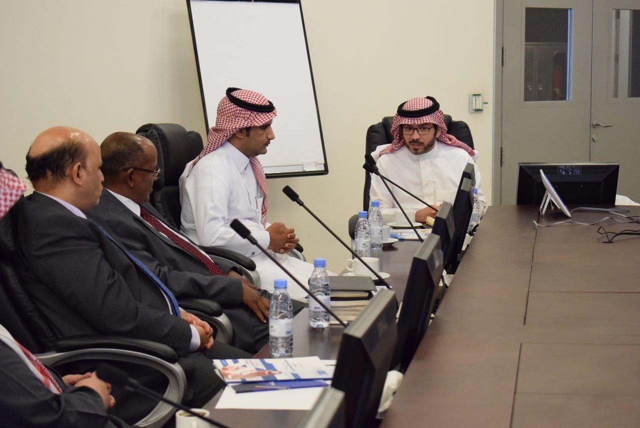 اجتماع إدارة برنامج الطلبة المتفوقين والموهوبين مع مؤسسة الملك عبدالعزيز ورجاله للموهبة والإبداع