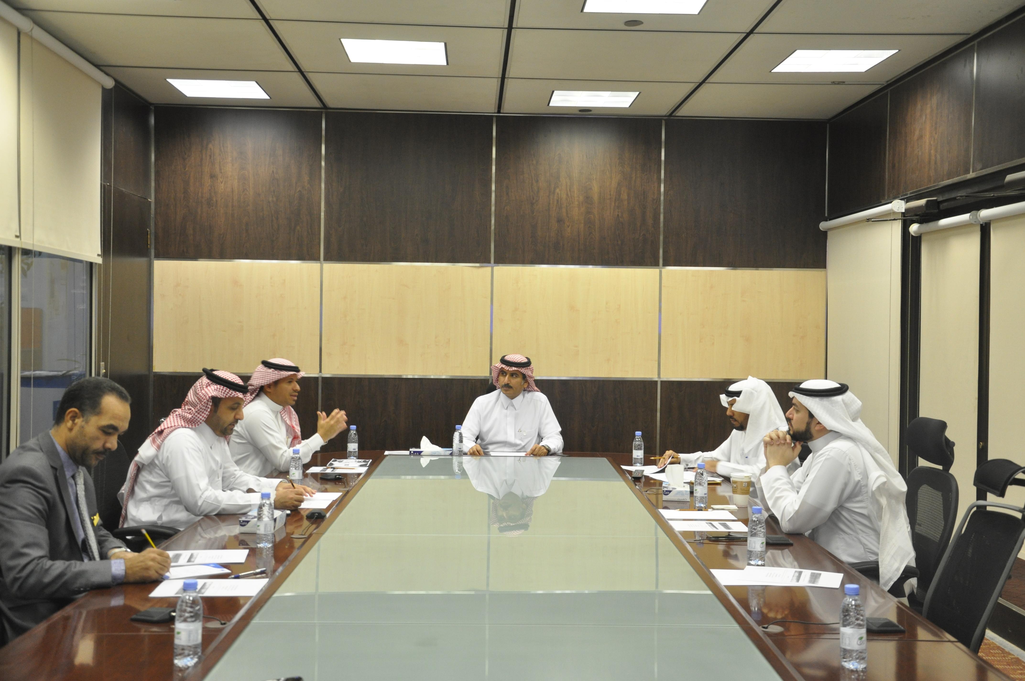 اللجنة الدائمة لإدارة المخاطر تناقش خطط الطوارئ ونظام قواعد البيانات