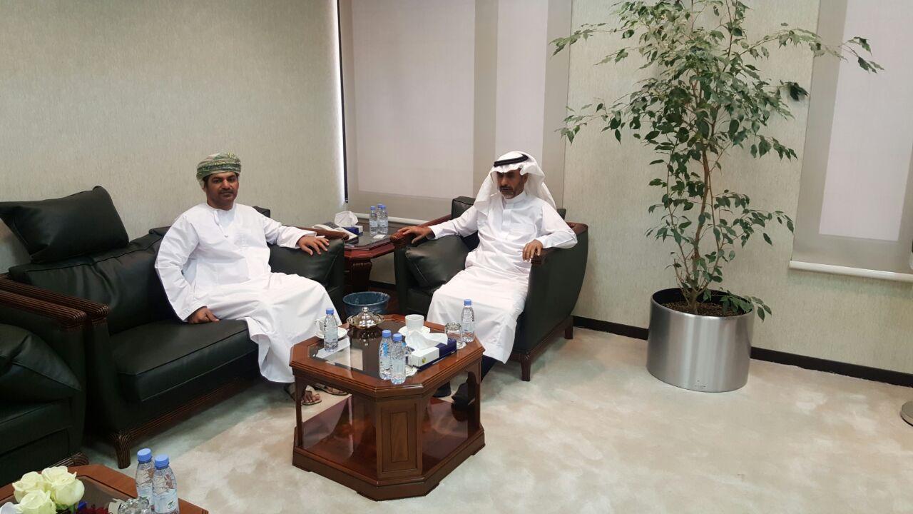 د. العثمان يستقبل مساعد عميد كلية العلوم التطبيقية بسلطنة عمان