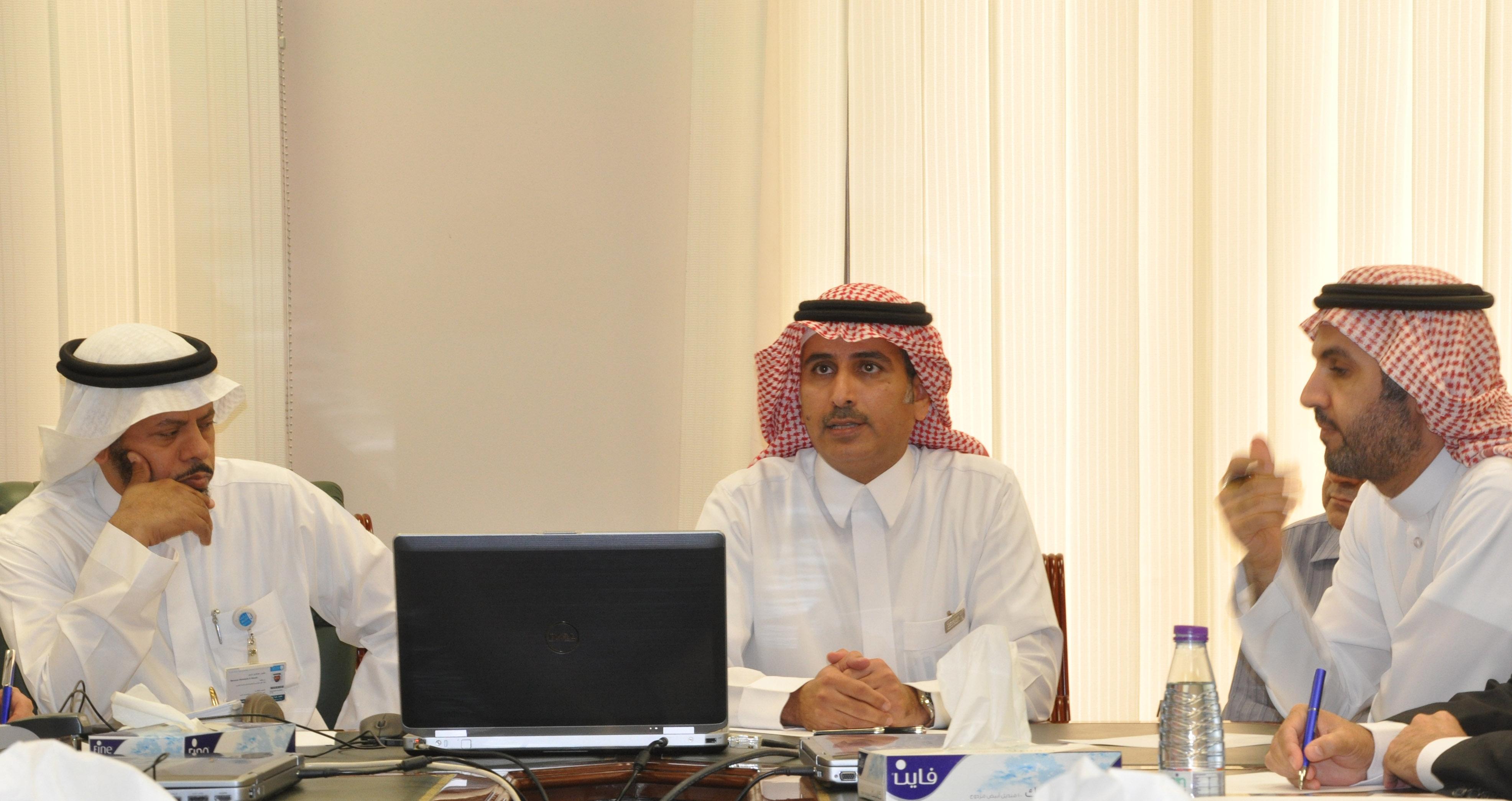 عمادة التطوير والجودة تعقد اجتماع مع كلية علوم الحاسب والمعلومات