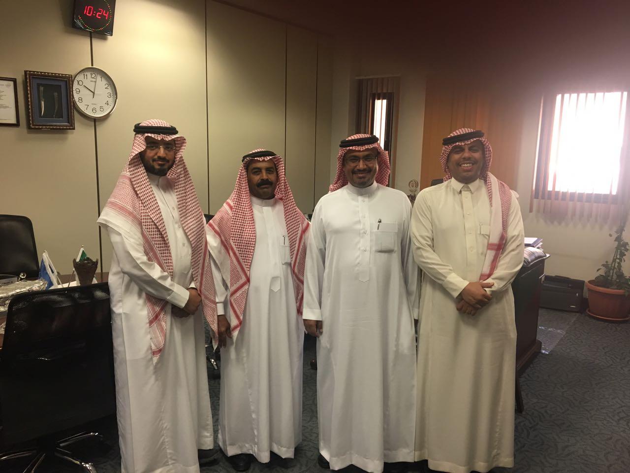 المشرف العام على مركز الرياض للحاضنات يزور كلية التمريض