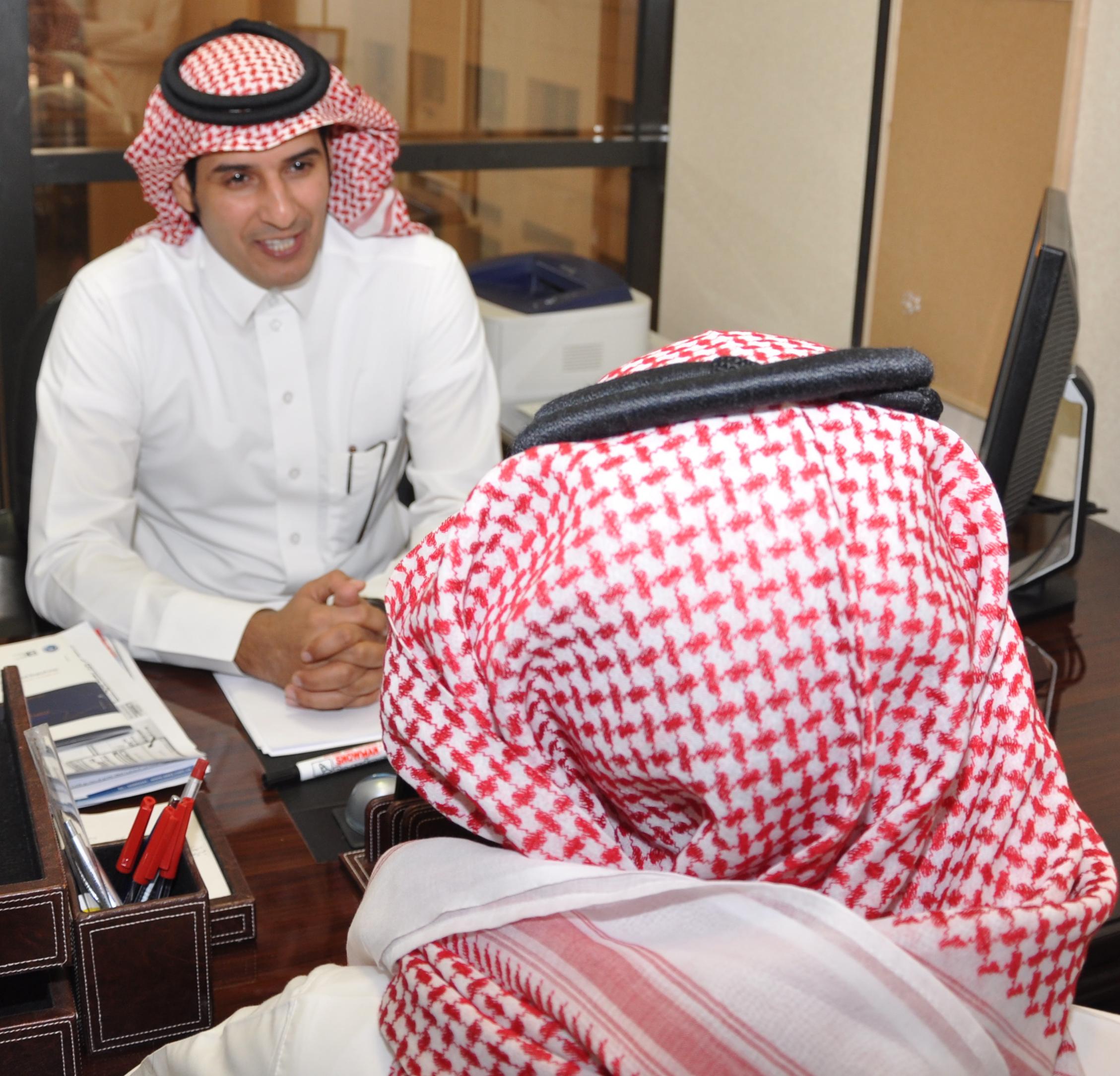 مركز التوجيه والإرشاد الطلابي بالجامعة يقدم خدماته عبر الهاتف الارشادي