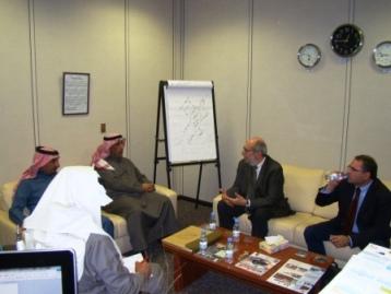 خبراء المعهد العربي للإنماء في زيارة للمركز الوطني