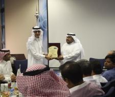 منسوبو معهد الملك عبدالله...