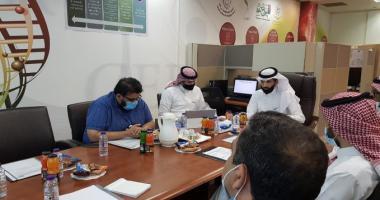 اللجنة العلمية بمركز التميز البحثي في التقنية الحيوية تعقد إجتماعها الأول