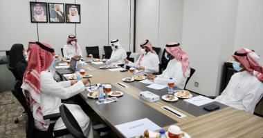 عميد شؤون الطلاب يعقد اجتماعًا...