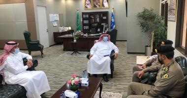 في إطار العودة الحضورية .. د. الصقير يجتمع مع مسؤولي مرور مدينة الرياض