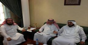 مشرف كرسي تعليم القرآن وإقرائه: د. محمد العمر يجتمع مع وكيل وزارة الإعلام ومدير إذاعة القرآن