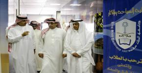 مدير جامعة الملك سعود يتفقد كلية الآداب والسياحة والآثار