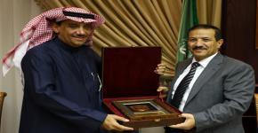 مدير الجامعة  يستقبل وزير التعليم العالي بالجمهورية اليمنية