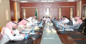 المجلس الاستشاري بكلية طب الأسنان يعقد جلسته الثانية