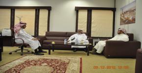 عميد شؤون الطلبة بجامعة الخليج العربي بالبحرين يشيد بتجربة أوقاف الجامعة