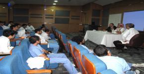 عقد لقاء لجنة حماية الحقوق الطلابية بكلية طب الاسنان