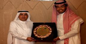 Mojtm3e Volunteer Club honours former leader