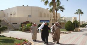 وكيل العمادة للخدمات الطلابية يزور إسكان الطلاب